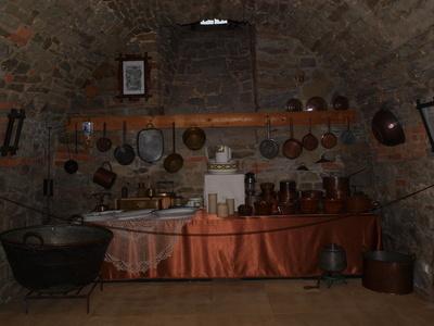 Wyposażenie kuchni, Kasztel w Szymbarku, aut. KB Projekt